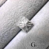 クロムハーツダイヤ ピラミッド ピアス カスタム