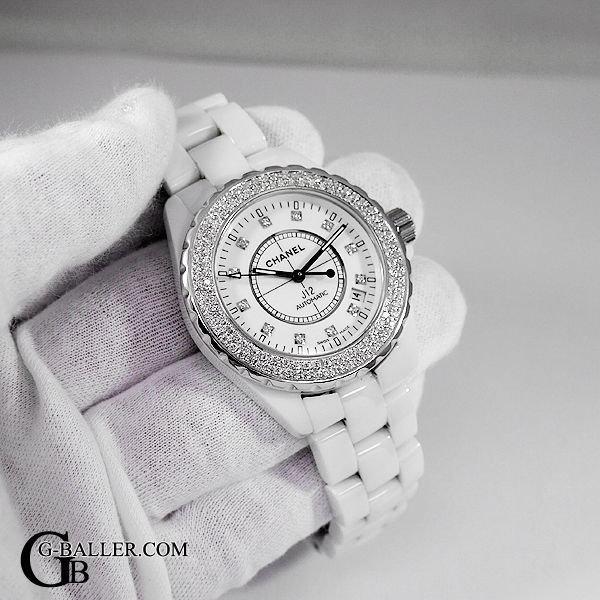 シャネルJ12 12pダイヤにダイヤモンドをカスタム致します。