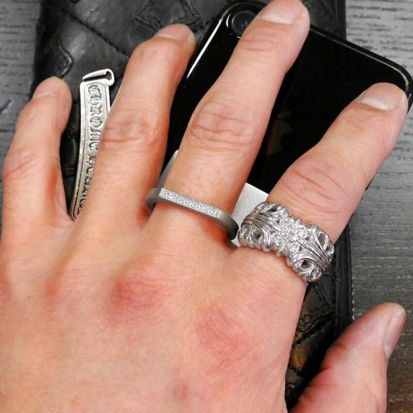 高級バンカーリングダイヤはメンズ、レディース共にオススメです。