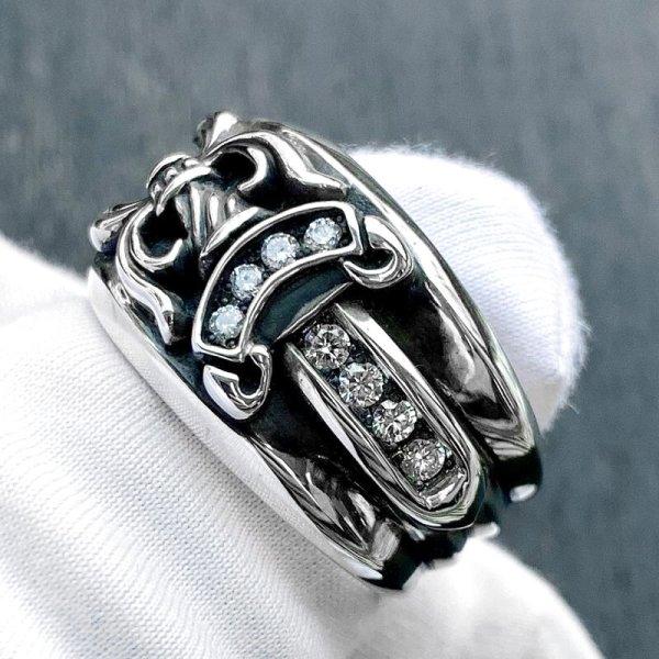 コチラのダガーリングダイヤは店頭でもご覧頂けます。