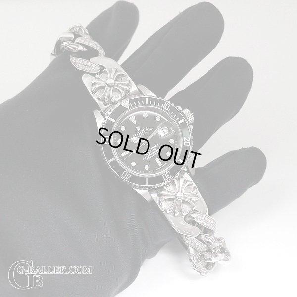 クロムハーツウォッチバンドにはダイヤが留められております。