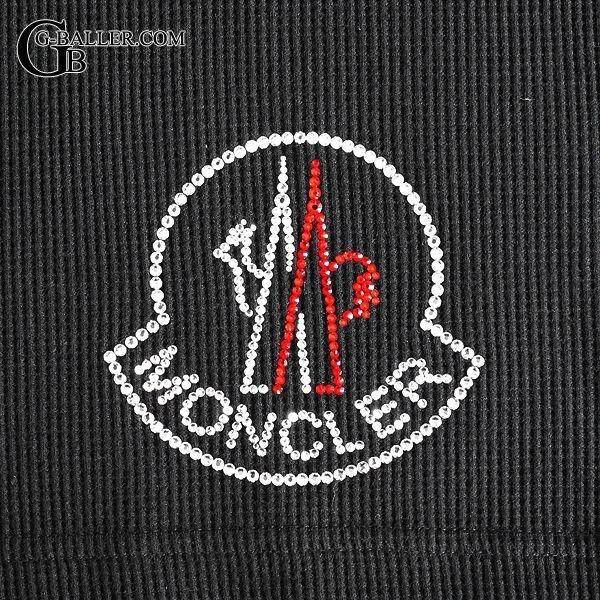モンクレールのロゴをロングスリーブにカスタムした実績となります。