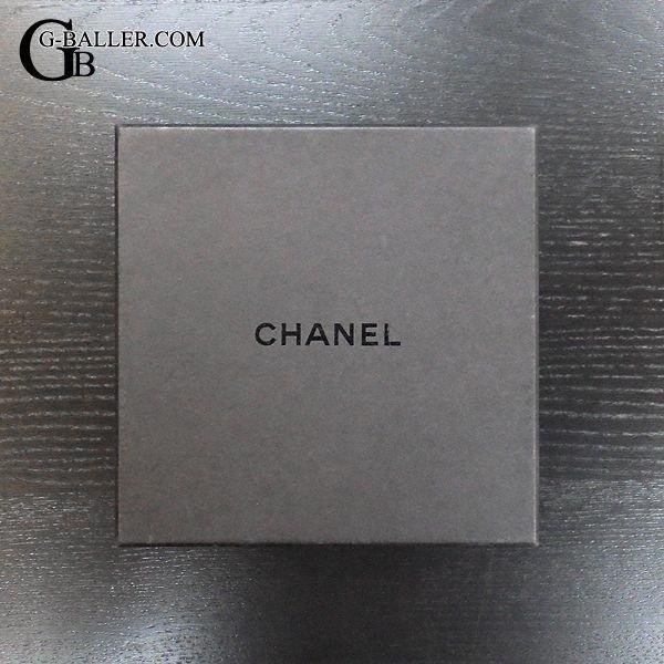 コチラの商品には専用BOX/国際保証書が付属致します。