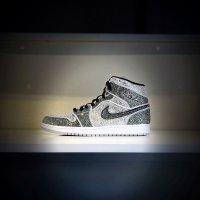 NIKE Air JordanSwarovski/ナイキ エアジョーダン スワロフスキー カスタムスニーカー