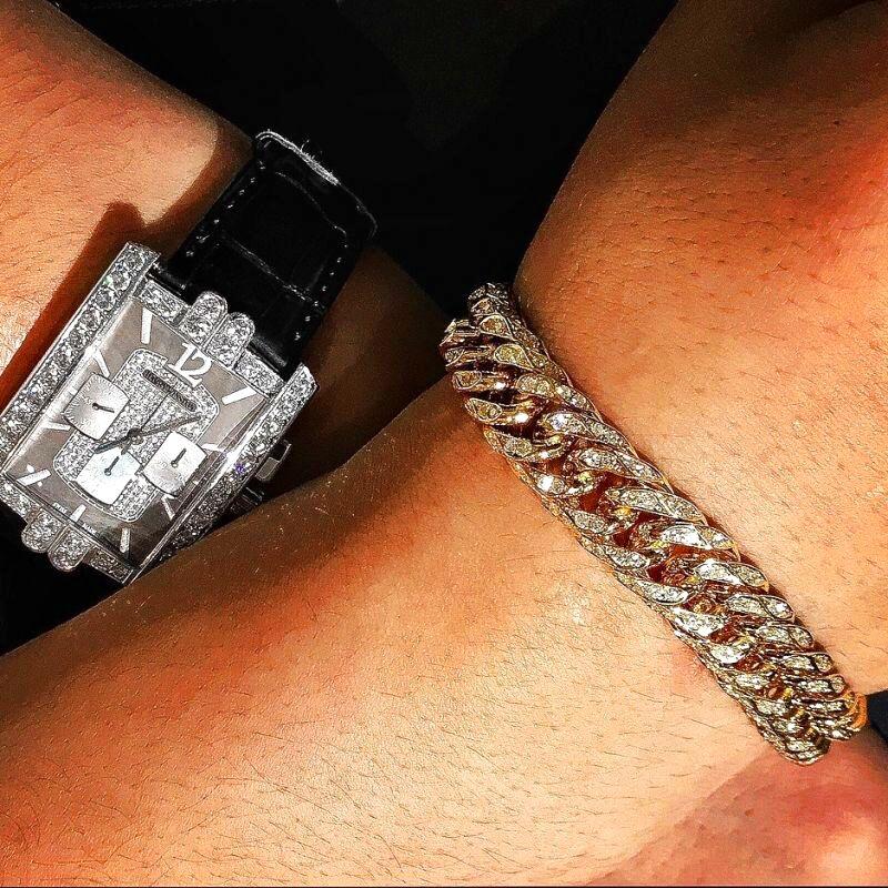 喜平ブレスレットのダイヤ販売、カスタムはお任せ下さい。