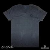 スワロフスキーを装飾した人気のクロスモチーフTシャツ