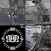 クロムハーツカスタムの中でも一番人気の高いモチーフのクロスにダイヤモンドをカスタム致しました。
